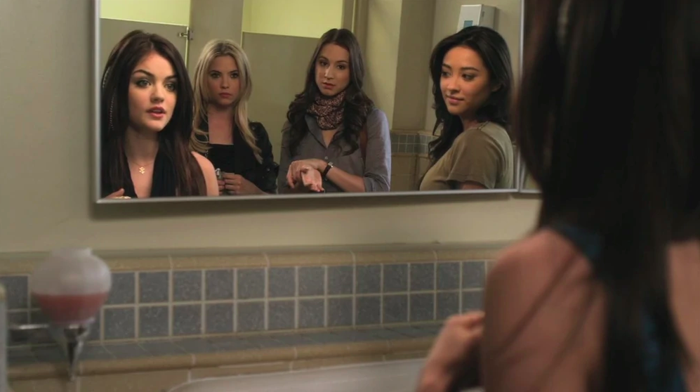 Pretty Little Liars 2.03