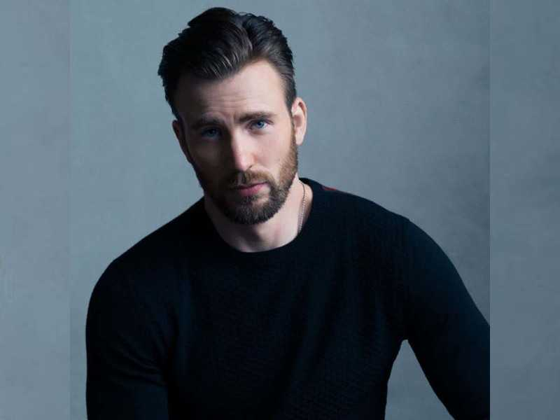 We love Chris Evans. Who wouldn't? If you need more Captain America and Ransom Drysdale content in your feed, follow these accounts!